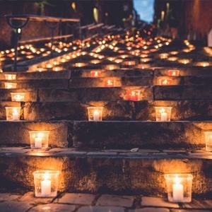 Die Nocturne des Coteaux de la Citadelle: ein Lichterfest in den Hügeln