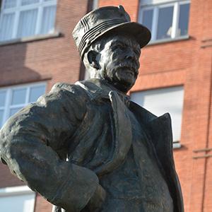 Statue du Général Bertrand en Outremeuse