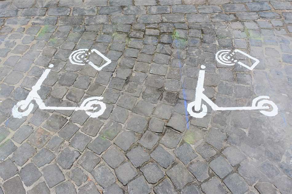 Emplacements de stationnement dédiés aux trottinettes - Marquage au sol